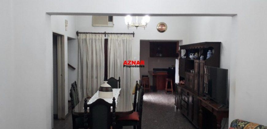 Casa en venta en calle Saavedra