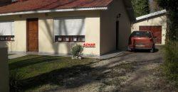 Casa en venta en calle Cuyo