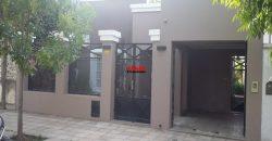 Casa en venta en calle Brandsen