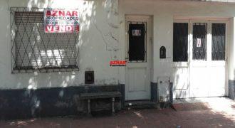 Casa en venta en calle Leonetti