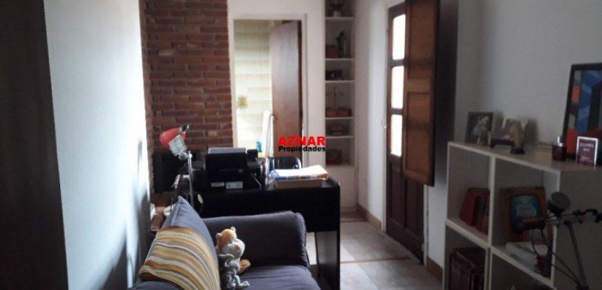 Casa en venta en calle Maroni