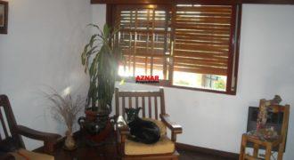 Casa en venta en calle Ombú