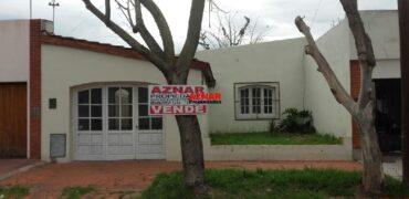Casa en venta en Brandsen 400